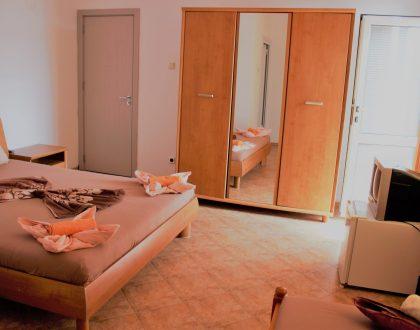 Тройна стая 305